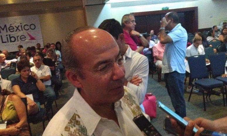 Felipe Calderón no logra firmas para conformar su partido