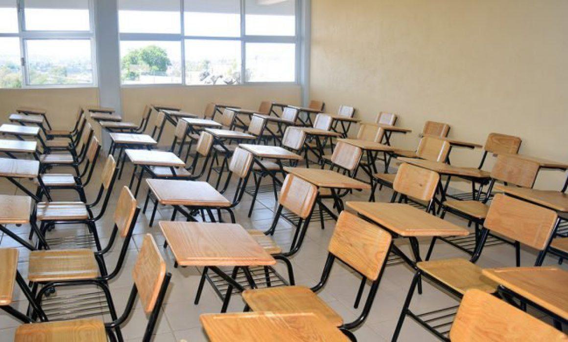 Cesan a 40 maestros por incumplir funciones laborales en Michoacán